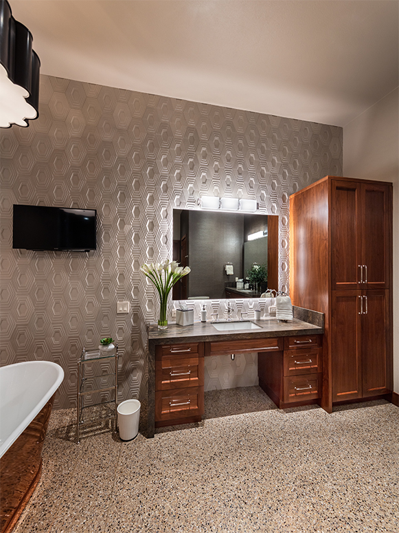 Diane-Cabral-her-vanity-master-bathroom-GOLF-CREST-ANTHEM